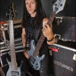 john-moyer-bassista-disturbed