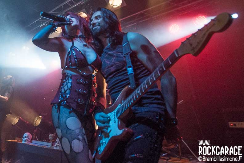Cremona, Italy. 6st May, 2017. Italian gothic metal band Theatres des Vampires performs at Midian Live. © Brambilla Simone Photography Live News
