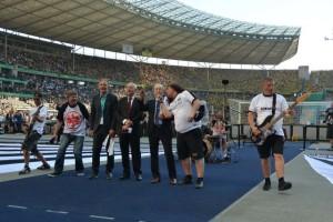 Tankard dell'inno dell'Eintracht Frankfurt club 'Schwarz-weiß wie Schnee'