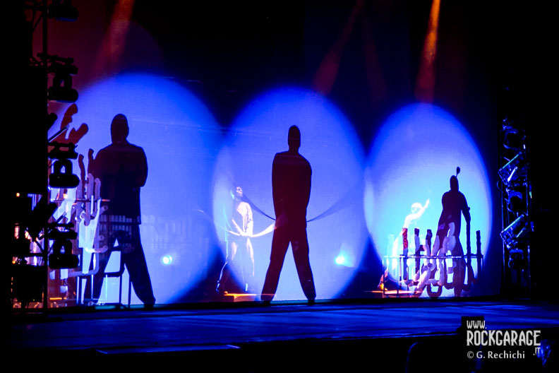 02_Blue man group