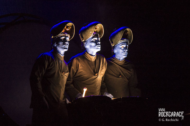 04_Blue man group