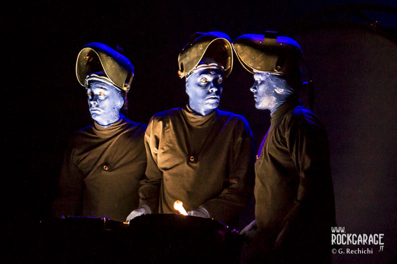 05_Blue man group